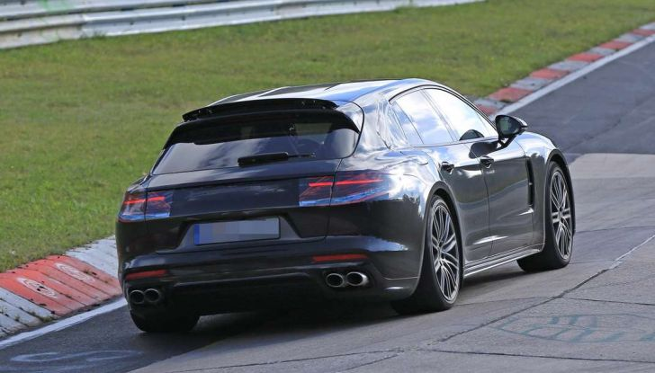Porsche Panamera Shooting Brake, le foto spia della versione quasi definitiva - Foto 4 di 13
