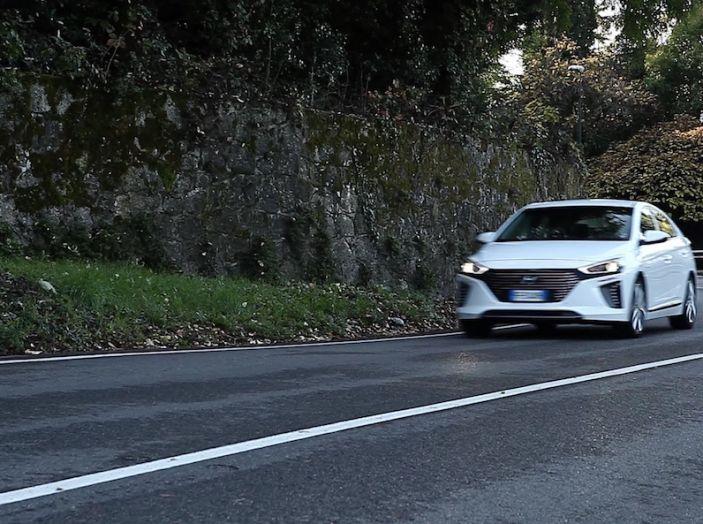 Hyundai Ioniq Hybrid 2016: la nostra prova su strada - Foto 7 di 31