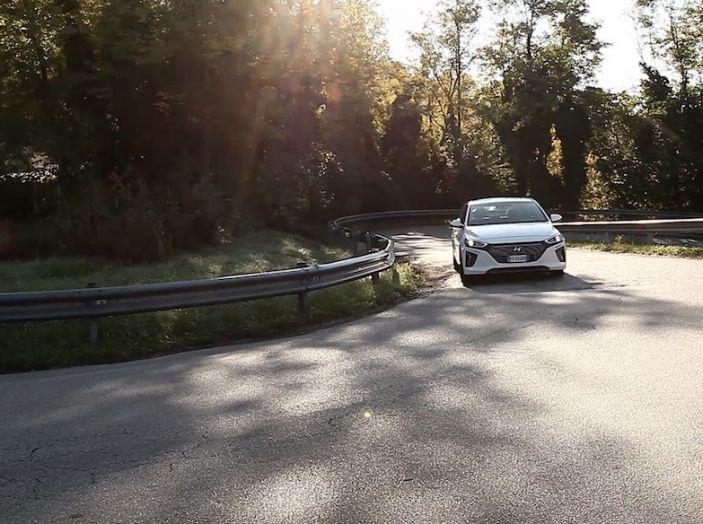 La Hyundai Ioniq promossa ai crash test con 5 stelle Euro NCAP - Foto 11 di 31