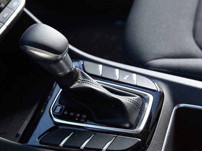 Hyundai Ioniq Hybrid 2016: la nostra prova su strada - Foto 19 di 31
