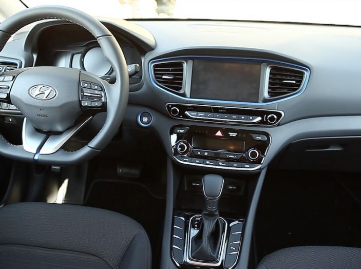 La Hyundai Ioniq promossa ai crash test con 5 stelle Euro NCAP - Foto 22 di 31