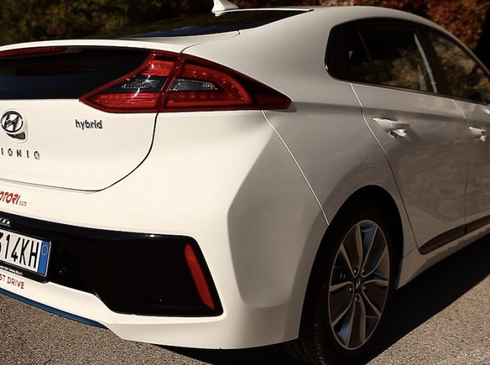 La Hyundai Ioniq promossa ai crash test con 5 stelle Euro NCAP - Foto 26 di 31