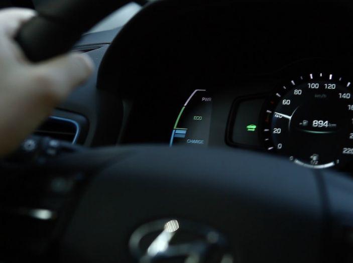 La Hyundai Ioniq promossa ai crash test con 5 stelle Euro NCAP - Foto 28 di 31
