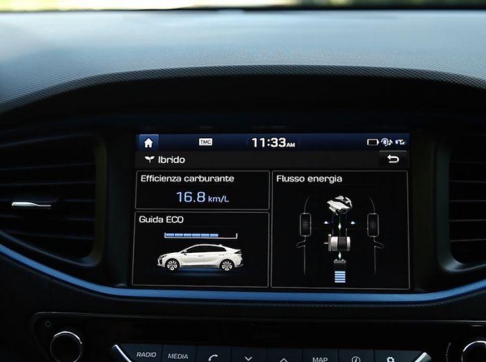 Hyundai Ioniq Hybrid 2016: la nostra prova su strada - Foto 29 di 31