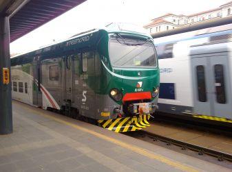 Sciopero treni e mezzi pubblici venerdì 25 novembre: informazioni e orari