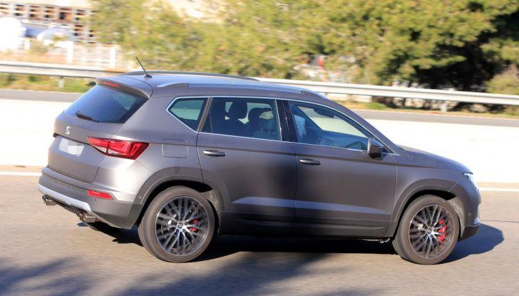 Seat Ateca Cupra, foto spia del SUV sportivo da 290 cavalli - Foto 7 di 10