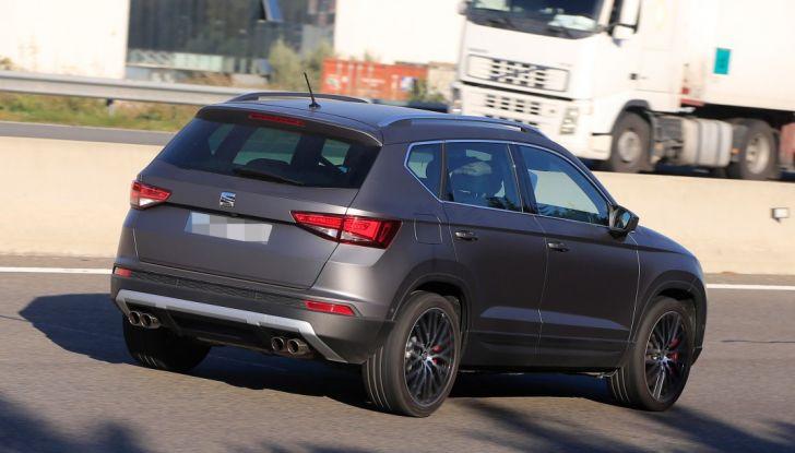 Seat Ateca Cupra, foto spia del SUV sportivo da 290 cavalli - Foto 9 di 10