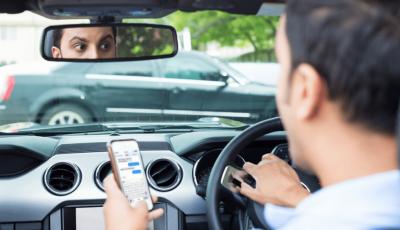 Infrazioni per guida distratta? Smartphone sequestrato per un mese