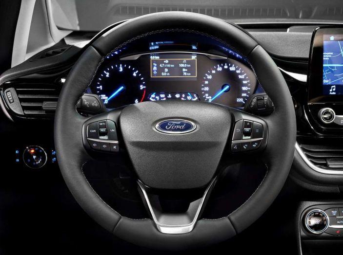 Ford Fiesta 2017 nuova generazione, volante.