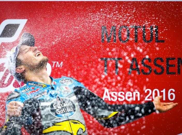 MotoGP 2016, Valencia: pole a Lorenzo, Rossi partirà dalla terza posizione - Foto 7 di 19