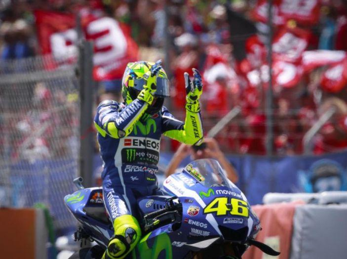 MotoGP 2016, Valencia: pole a Lorenzo, Rossi partirà dalla terza posizione - Foto 8 di 19
