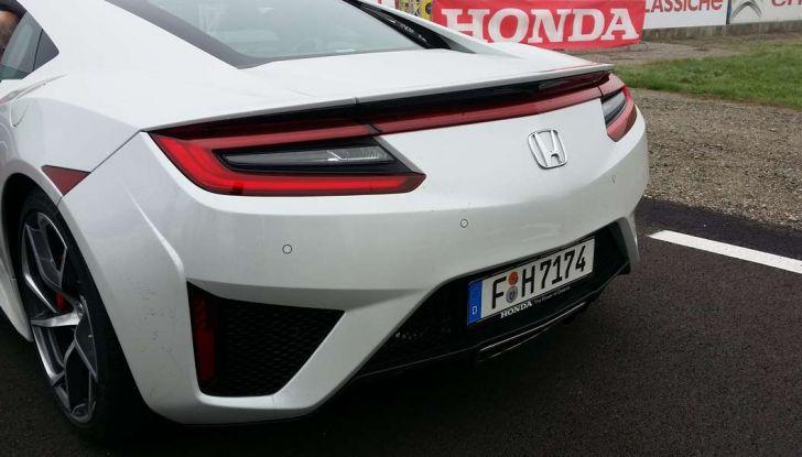 Nuova Honda NSX 2017, profilo posteriore.