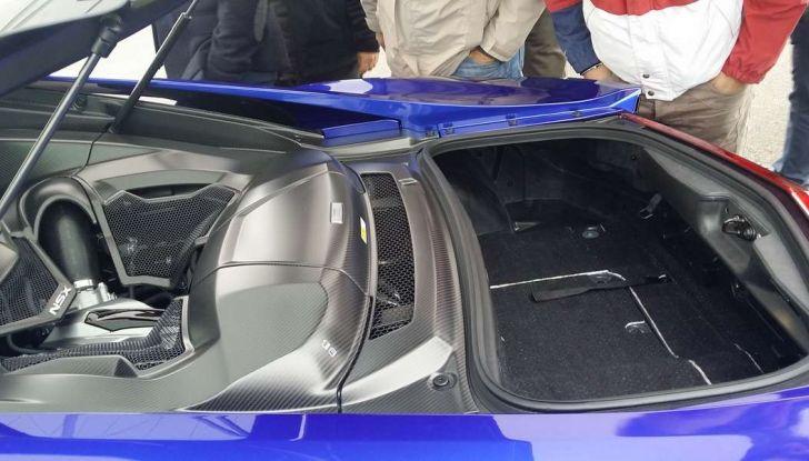 Nuova Honda NSX 2017, apertura cofano.