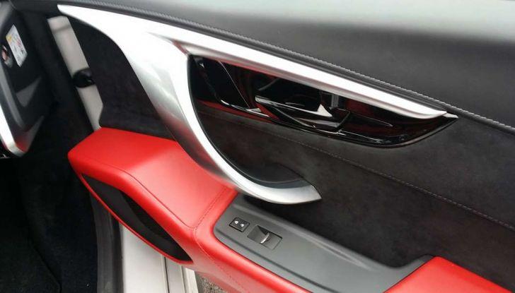 Nuova Honda NSX 2017, porta dall'interno.