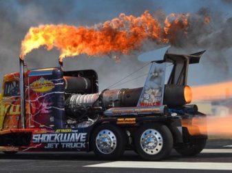 Shockwave, il camion più veloce del mondo