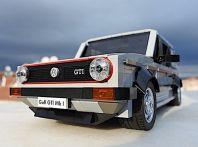 Volkswagen Golf Mk1 GTI con 1278 mattoncini di Lego
