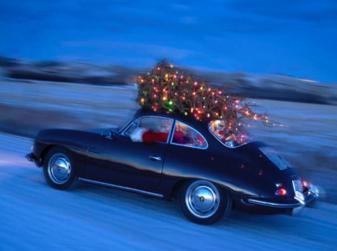 Come trasportare l'albero di Natale in auto senza incorrere in sanzioni