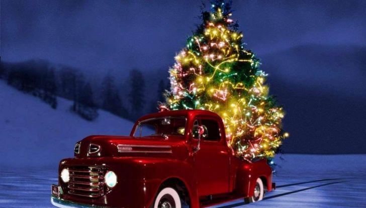 Come trasportare l'albero di Natale in auto senza incorrere in sanzioni - Foto 6 di 9