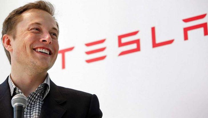 Elon Musk vuole comprare General Motors per ampliare Tesla - Foto 1 di 8