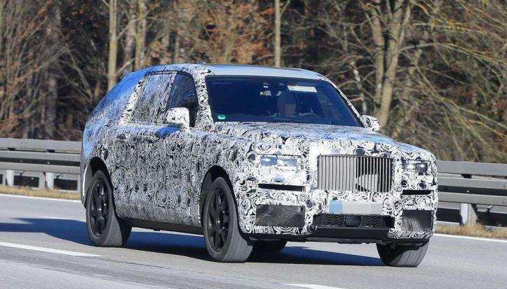 Rolls Royce Cullinan, prime foto spia del SUV di lusso atteso per il 2018 - Foto 2 di 11