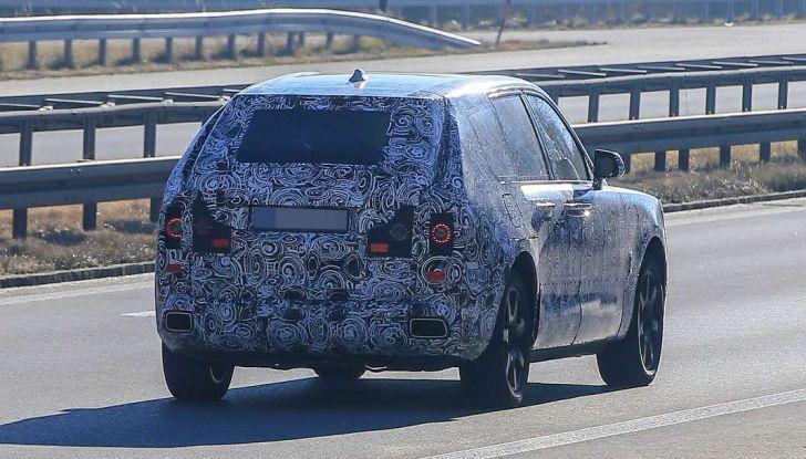 Rolls Royce Cullinan, prime foto spia del SUV di lusso atteso per il 2018 - Foto 11 di 11