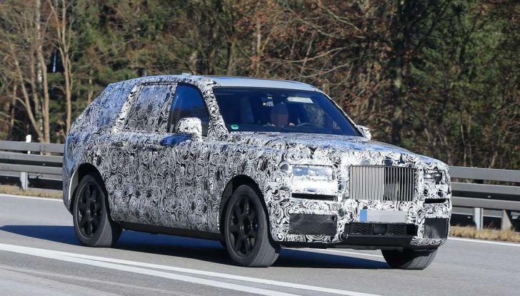 Rolls Royce Cullinan, prime foto spia del SUV di lusso atteso per il 2018 - Foto 3 di 11