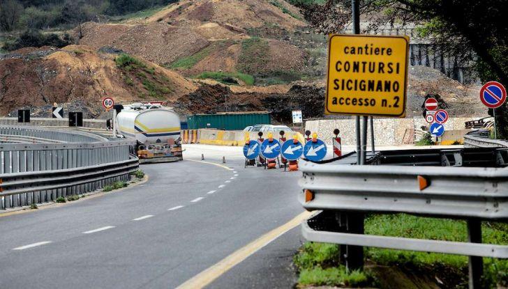 Di Maio, autostrade: tariffa unica senza casello e via i Benetton - Foto 19 di 19
