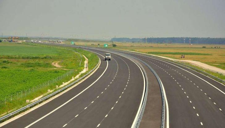 Di Maio, autostrade: tariffa unica senza casello e via i Benetton - Foto 15 di 19