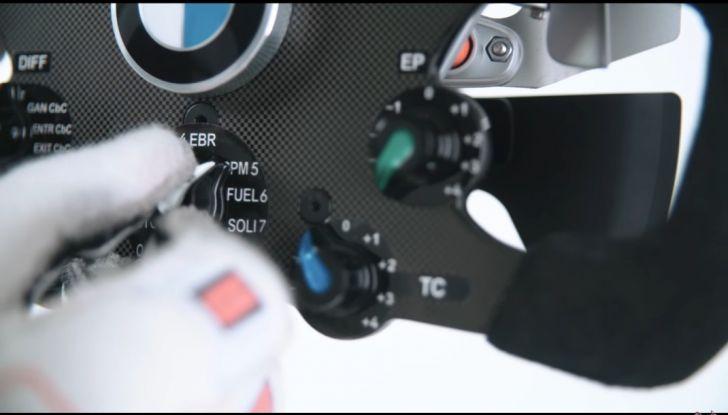 L'evoluzione del volante da Formula 1 raccontato in un video spettacolare - Foto 15 di 49