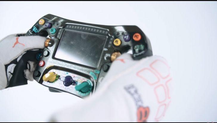 L'evoluzione del volante da Formula 1 raccontato in un video spettacolare - Foto 16 di 49