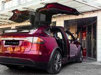 Elon Musk twitta: sulle Tesla guida autonoma entro 6 mesi