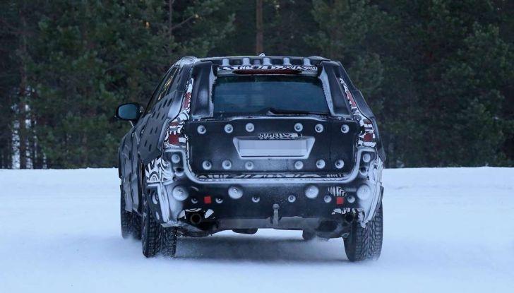 Volvo XC60, nuove foto spia sulla neve della futura generazione - Foto 2 di 10
