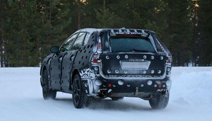 Volvo XC60, nuove foto spia sulla neve della futura generazione - Foto 10 di 10