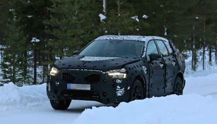 Volvo XC60, nuove foto spia sulla neve della futura generazione - Foto 4 di 10