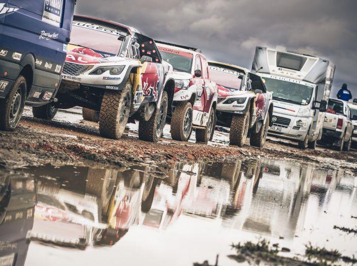 Giornata di riposo per le tre Peugeot 3008DKR in testa alla Dakar 2017 - Foto 1 di 4