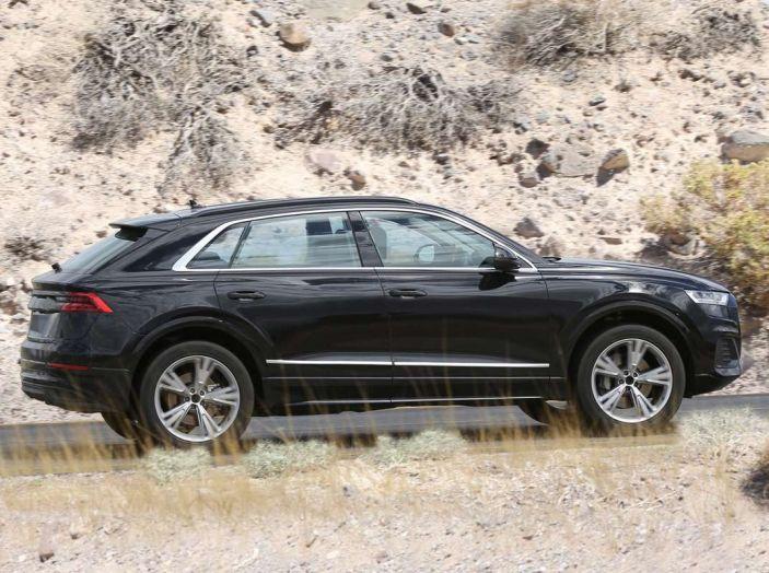 Audi Q8 2018, nuove foto spia del SUV tedesco - Foto 4 di 22