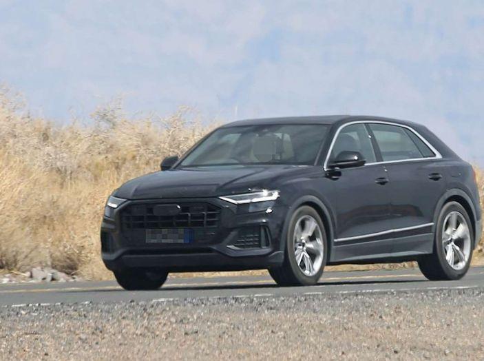 Audi Q8 2018, nuove foto spia del SUV tedesco - Foto 6 di 22