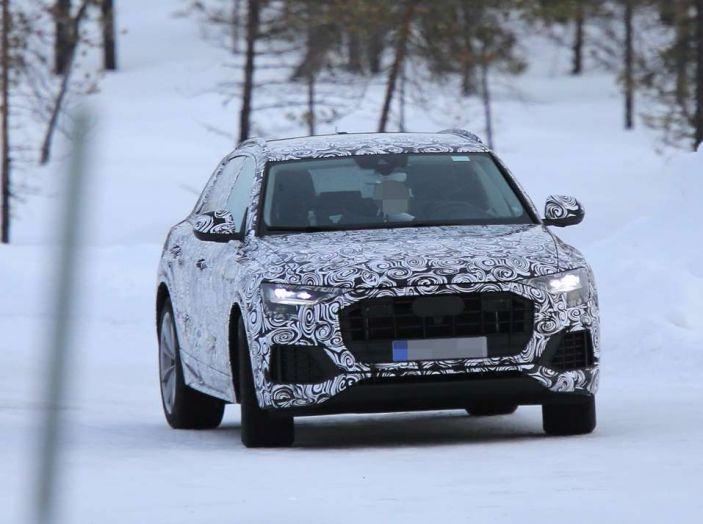 Audi Q8 prime foto