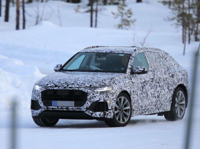 Audi Q8, prime foto spia