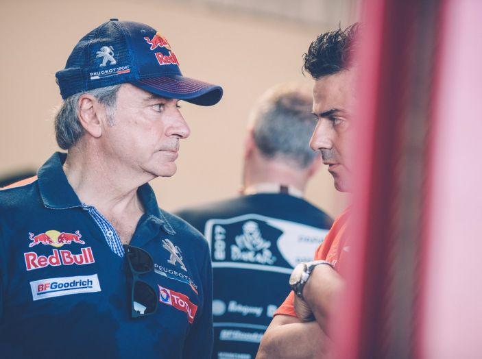 Carlos Sainz si ritira dalla Dakar 2017 - Foto 1 di 3