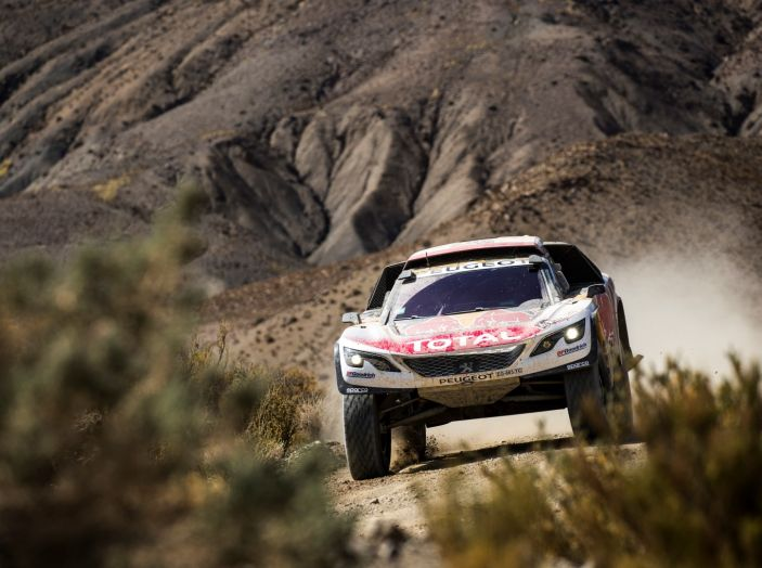 La Peugeot 3008DKR vittoriosa in una quarta tappa complicata - Foto 3 di 5