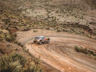 Peugeot monopolizza il podio provvisorio della Dakar