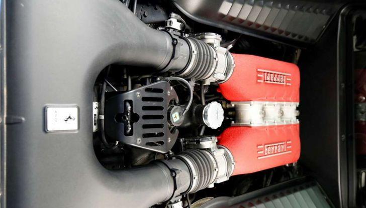 La Ferrari 458 Italia Liberty Walk di Justin Bieber in vendita all'asta vano motore