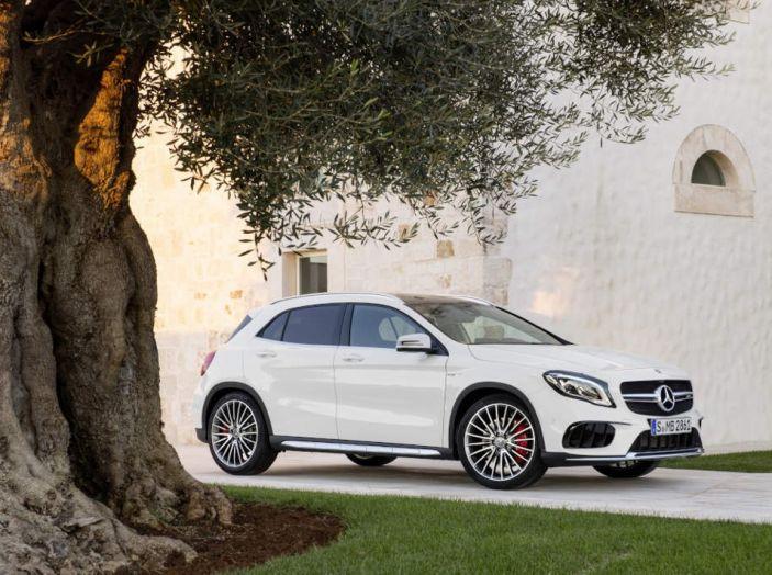 Mercedes GLA: motorizzazioni, allestimenti e dispositivi di sicurezza - Foto 1 di 30