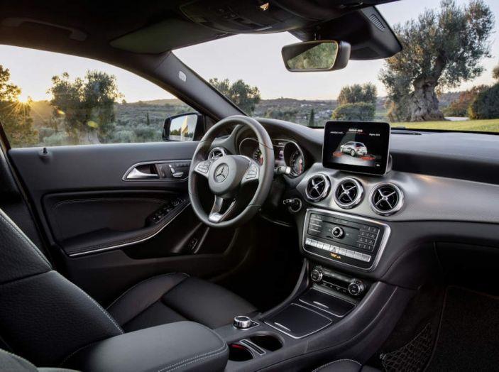 Mercedes GLA: motorizzazioni, allestimenti e dispositivi di sicurezza - Foto 18 di 30