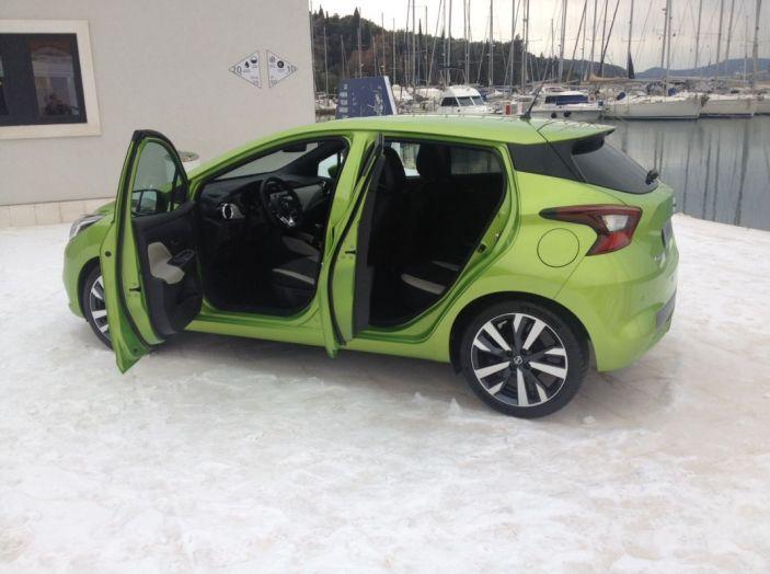 Nuova Nissan Micra, la prova su strada della 5° generazione - Foto 14 di 17
