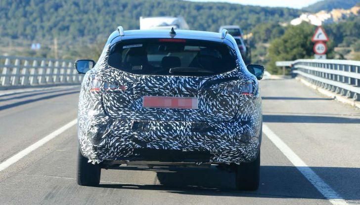 Nuova Nissan Qashqai Facelift, prime foto spia dei test dinamici - Foto 3 di 11