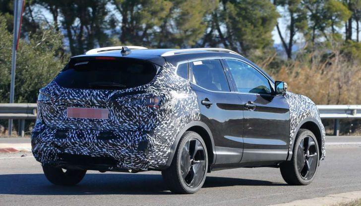 Nuova Nissan Qashqai Facelift, prime foto spia dei test dinamici - Foto 2 di 11