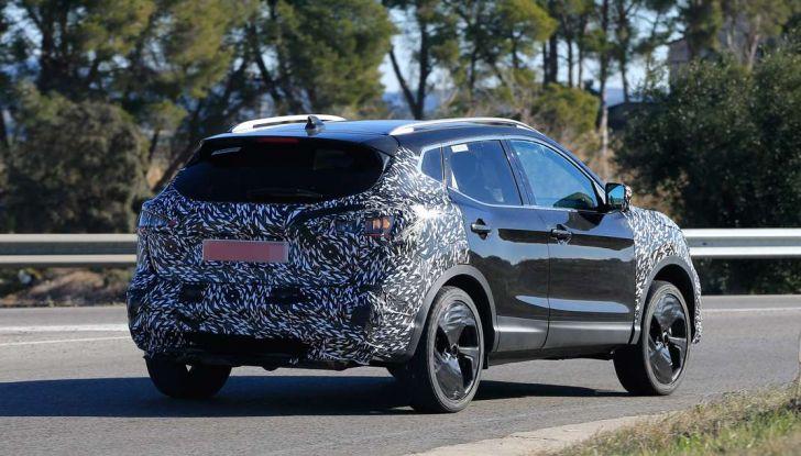 Nuova Nissan Qashqai Facelift, prime foto spia dei test dinamici - Foto 11 di 11