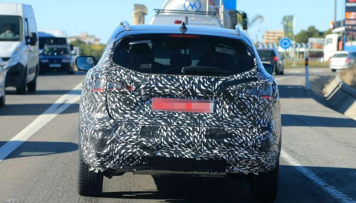 Nuova Nissan Qashqai Facelift, prime foto spia dei test dinamici - Foto 6 di 11